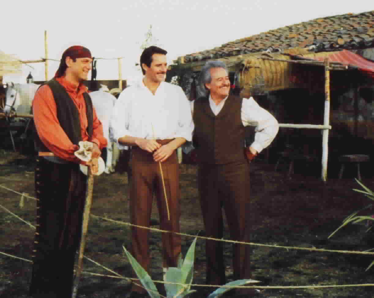 Jesse Ventura, Duncan Regehr, and Henry Darrow, from the episode 'A New Beginning'