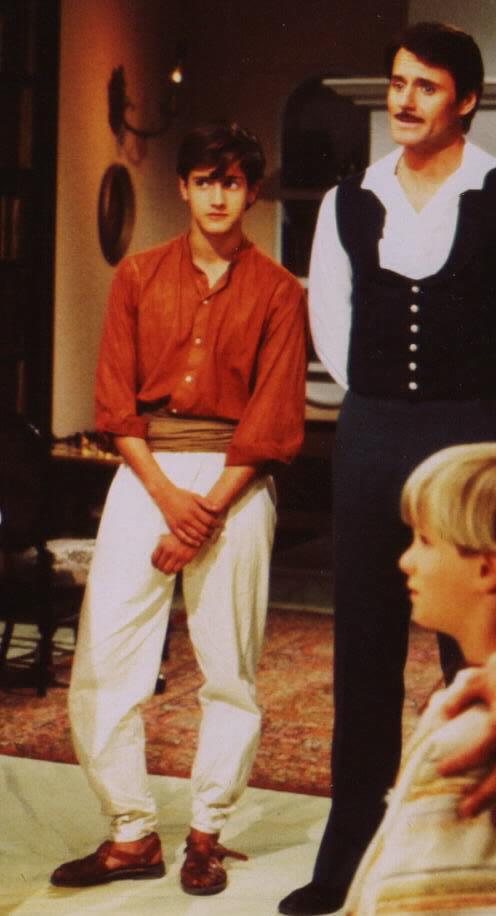 Juan Diego Botto as Felipe